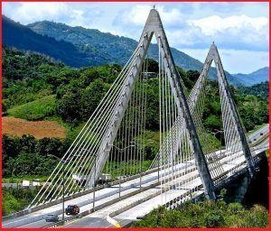 Puente atirantado Jesús Izcoa Moure en Puerto Rico